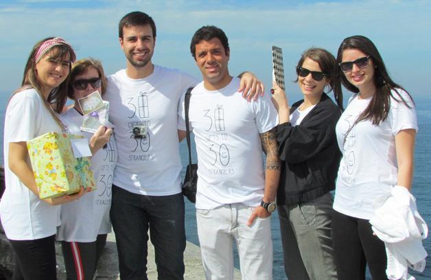 Brasileiro cria projeto do bem dando 30 presentes para 30 desconhecidos 16